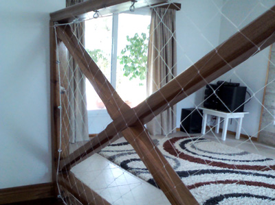 Servicios protecci n para balcones protecci n para for Cubre escaleras